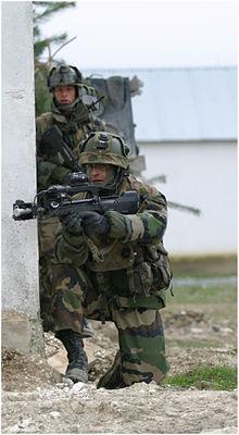 220px-Soldat_français_au_CENZUB